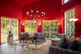 Wand und Decke glatt gespachtelt mit Malervlies und beschichtet mit Brillux-Sensocryl